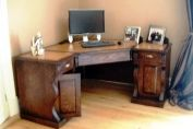 Traditional corner desk